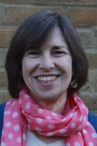 Harriet Grace - teaching creative writing at The Avenue Club, Kew